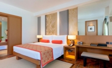 Hotel Outrigger Laguna Phuket Beach Resort 2