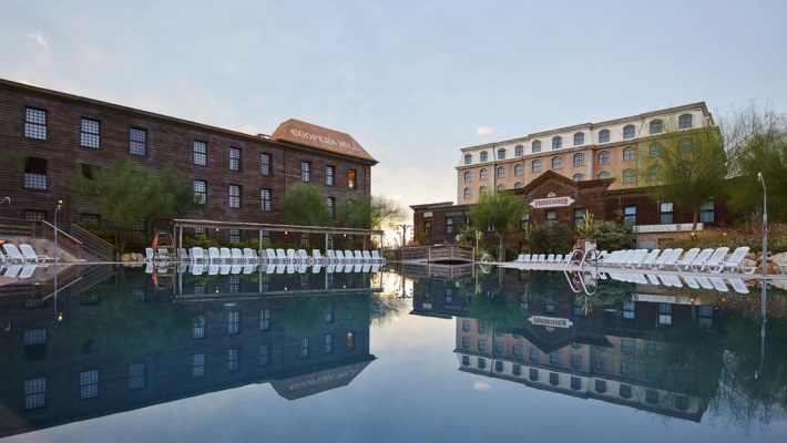 Hotel Gold River 3