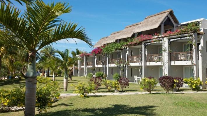 Hotel Lux Grand Gaube 5