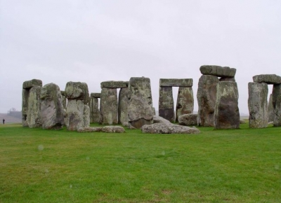 Un complex de monumente ascuns in subteran a fost gasit pe site-ul Stonehenge din Marea Britanie