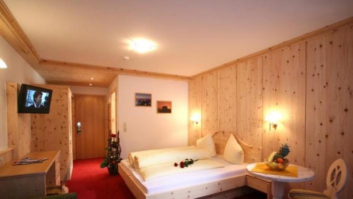 Hotel Alm Ferienclub Silbertal 6