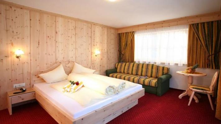 Hotel Alm Ferienclub Silbertal 8