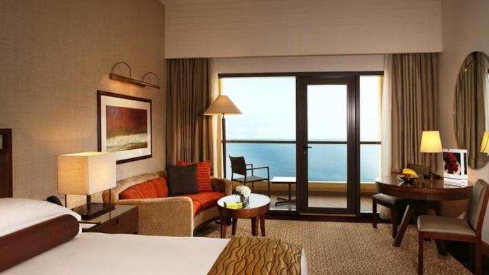 Hotel Amwaj Rotana 2