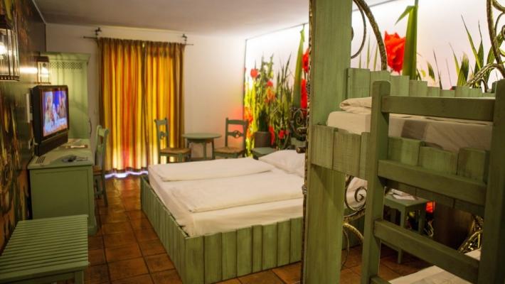 Hotel El Andaluz a 3