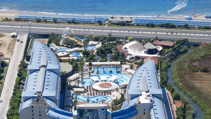 Hotel Crystal Admiral Resort Suites & Spa 1