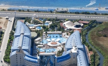 Hotel Crystal Admiral Resort Suites & Spa 1