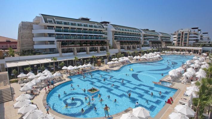 Crystal Waterworld Resort 3