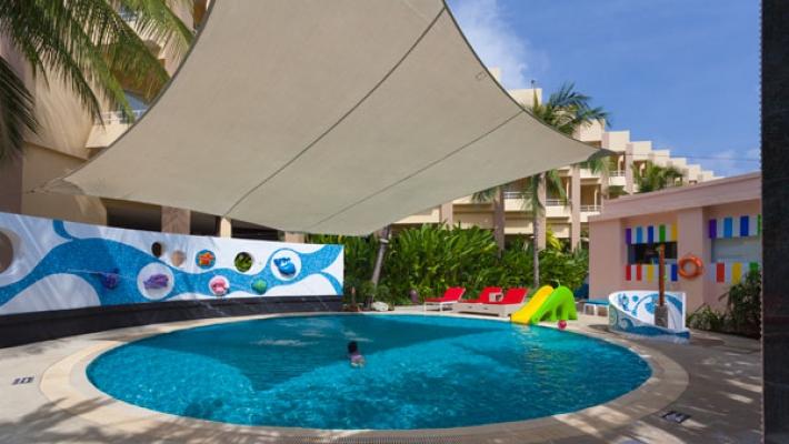 Hotel Holiday Inn Resort 3