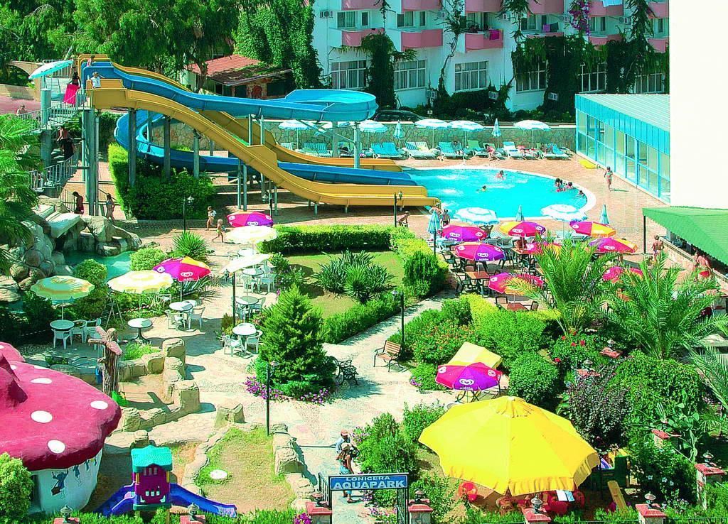 Hotel Lonicera World. Hotel Paradies. Royal Azur Resort. Metropolitan Deira Hotel. Best Western Apartments Levi Snow White. The Rock Hua Hin Beach Resort & Spa. Valide Hotel. Luxury Apartments. Park Hotel Cala Di Lepre & Spa