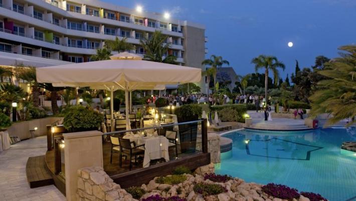 Hotel Mediterranean Beach Limassol 3
