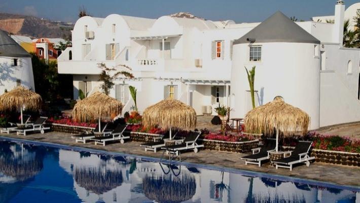 Hotel Mediterranean Beach Santorini 1