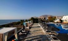 Hotel Mediterranean Beach Santorini 4