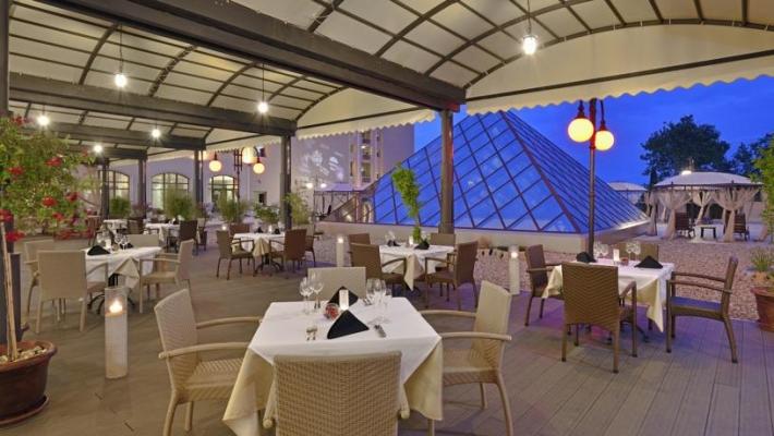 Hotel Melia Grand Hermitage 11