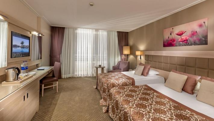 Hotel Miracle Resort 2