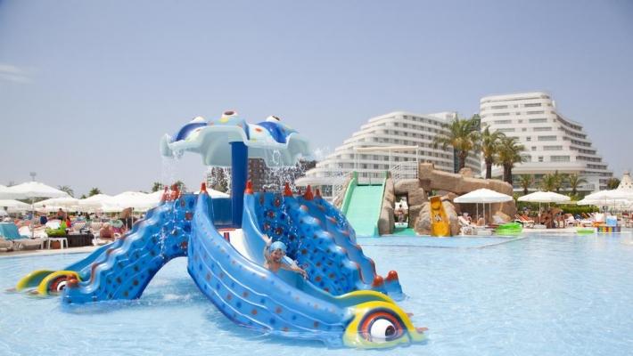 Hotel Miracle Resort 3