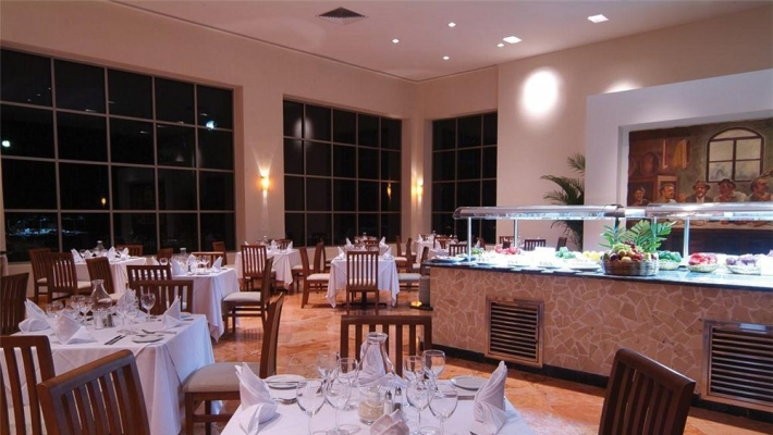 Oasis Cancun 4