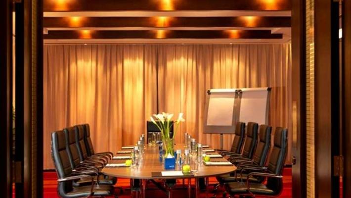Hotel Media Rotana 2
