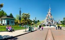 Aproximativ 15 milioane de persoane au vizitat Disneyland Paris in 2015 1