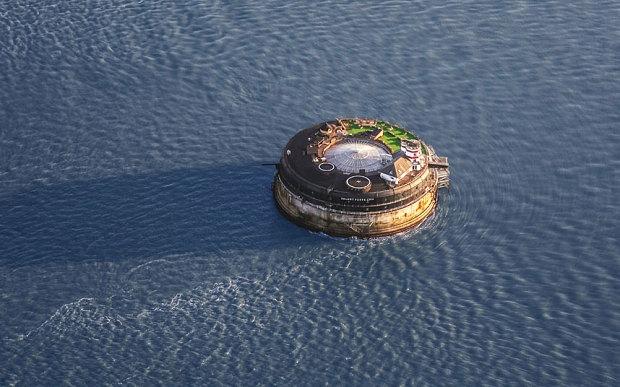 Fortul Nimanui: Cel mai deosebit loc de cazare din Marea Britanie 1