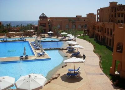 Hotel Rehana Royal Beach & Spa