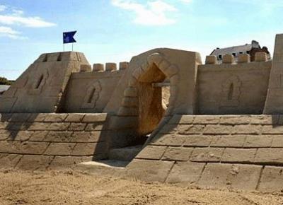Olanda lanseaza primele hoteluri din nisip