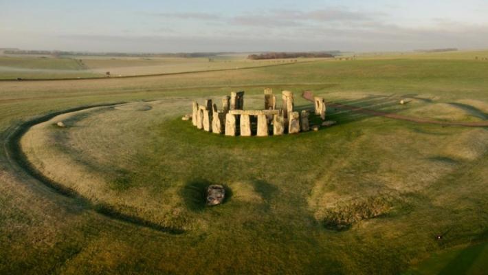 Un complex de monumente ascuns in subteran a fost gasit pe site-ul Stonehenge din Marea Britanie 4